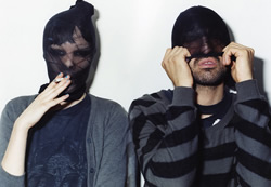 Crystal-Castles-lowcost